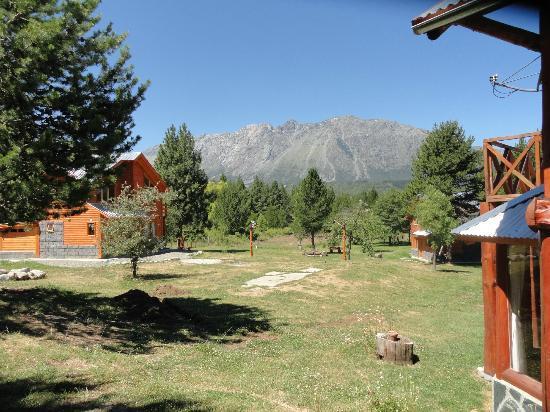 Cabañas El Refugio de Puelo : Vista ingreso Refugio de Puelo