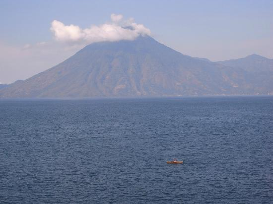 Laguna Lodge Eco-Resort & Nature Reserve: San Pedro Volcano view from hotel