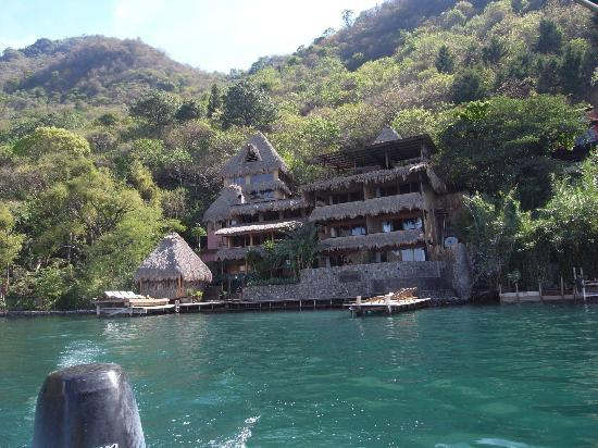 Laguna Lodge Eco-Resort & Nature Reserve: View of hotel from boat