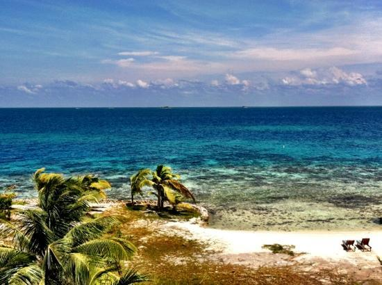 Hatchet Caye Resort: view from lookout