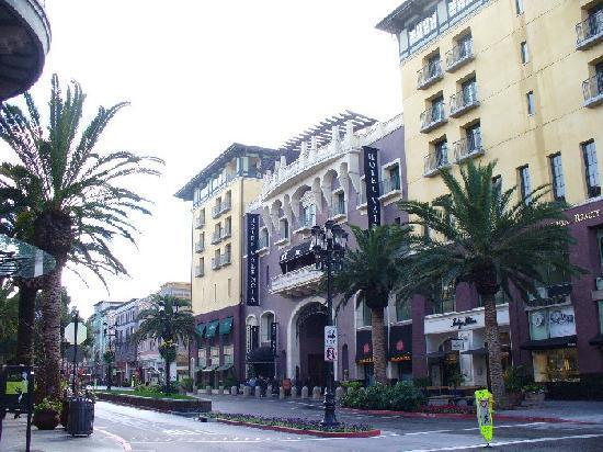 Hotel Valencia - Santana Row: Front View