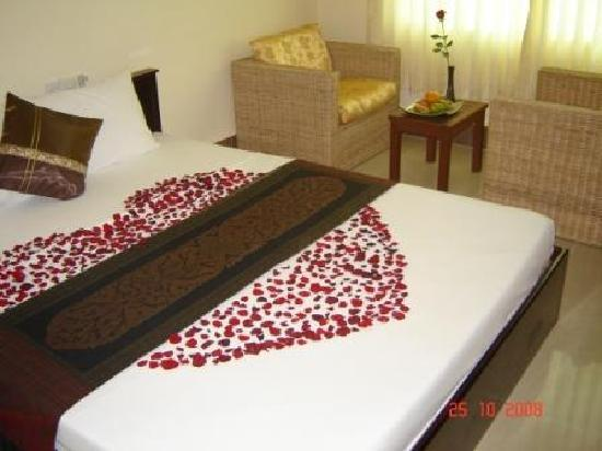 My Home Cambodia : Decoration special in room-Honeymoon1