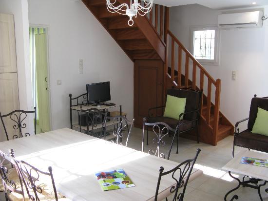 L'Oustau De Sorgue : Living room