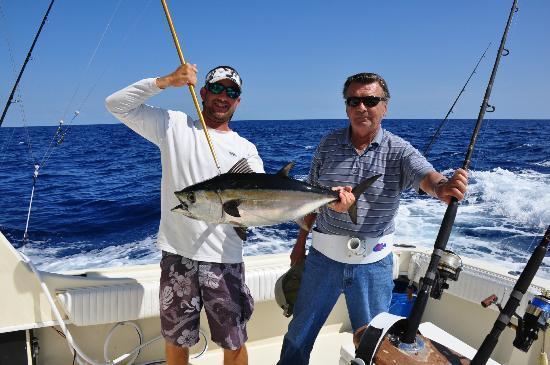 Tuna picture of dog house fishing charters islamorada for Tuna fishing trips