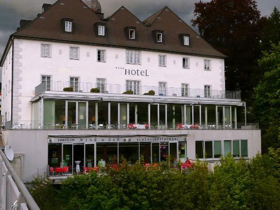 Schloss an der Eisenstrasse: der alte Trakt & Restaurant