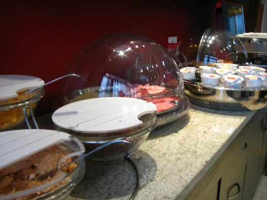 Oasi Village Hotel & Resort: Breakfast spread