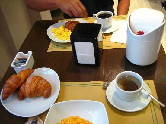 Oasi Village Hotel & Resort: breakfast