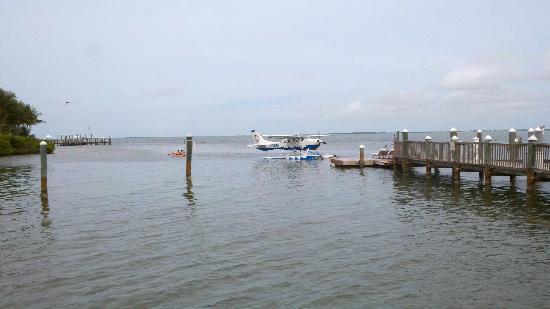 Tropic Ocean Airways: At the dock