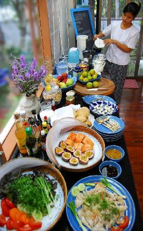 Dr. Tui's Bed and Breakfast: our gourmet organic breakfast