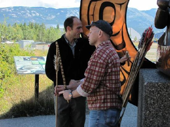 Yukon Beringia Interpretive Centre: Speerwerfen im Museum