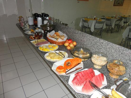 Hotel Pio: Café da manhã.