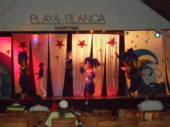 Hotel Playa Blanca Beach Resort: night show
