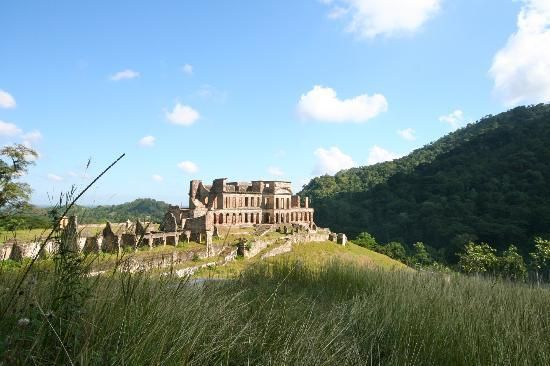 Nord Department, Haïti : View of Sans Souci from the road