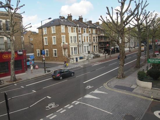 Star Hotel B&B: Shepherd's Bush Road (Blick nach rechts)