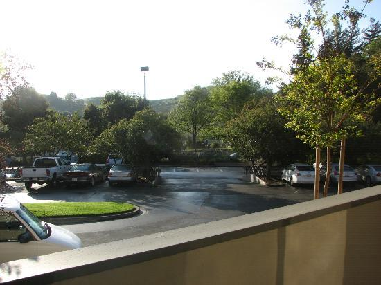 Best Western Plus Novato Oaks Inn : Our room overlooked the front parking lot. No noise problems