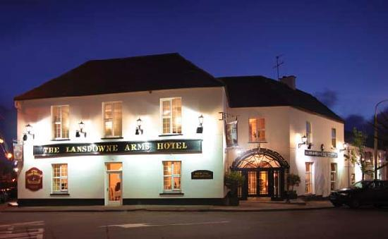 Lansdowne Arms Hotel: Night Falls at The Lansdowne Arms, Kenmare