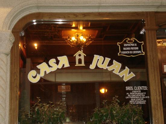 Asador Casa Juan: ingresso ristorante