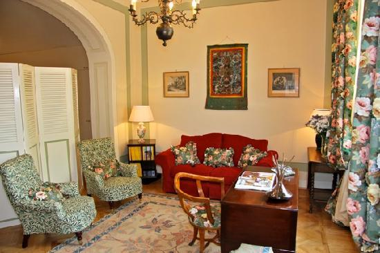 A Suite in Florence: Living Room Appartamento del Re