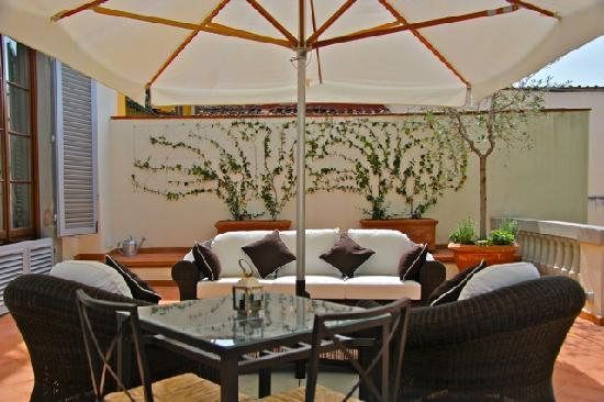 A Suite in Florence: Terrace Appartamento del Re