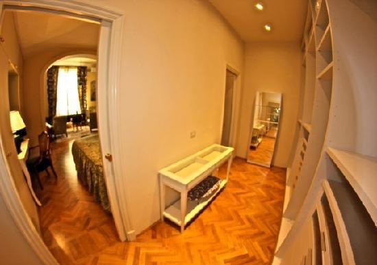 A Suite in Florence: Walk-in closet Appartamento del Re