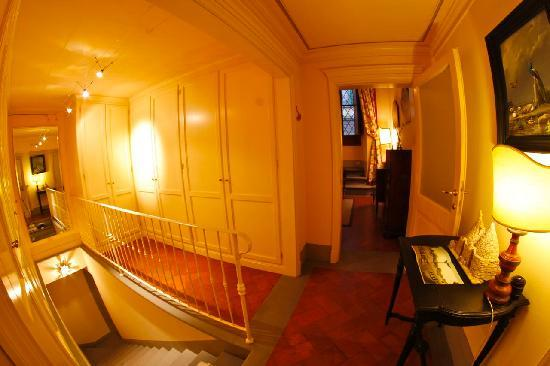 A Suite in Florence: Stairs to Kitchen Dimora del Barone