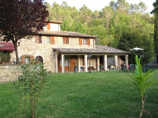 Borgovivo: Vista dell'Agriturismo