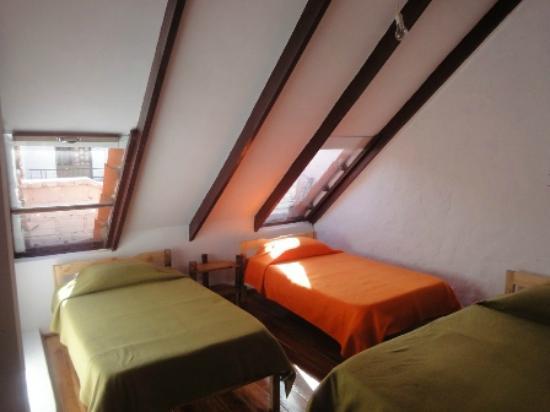 Hostal CasArte Takubamba: Habitacion-Atico