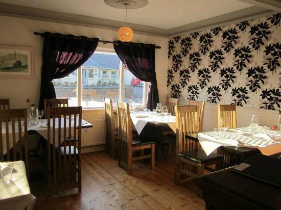Doolin Cafe: Beautiful interior.