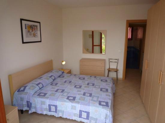 Residenza Le Ginestre: Camera