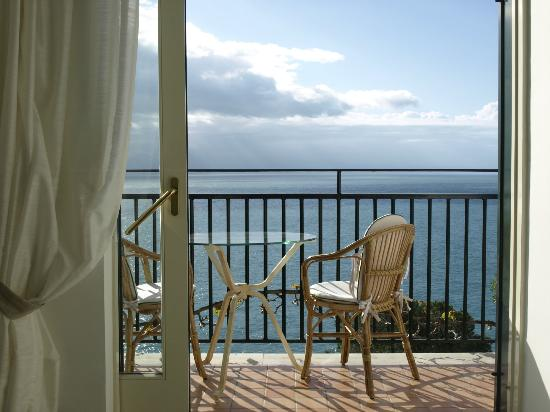 Santa Caterina Hotel: The Mediterranean stretches as far as the eye can see...