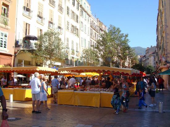 Cours Lafayette: Market
