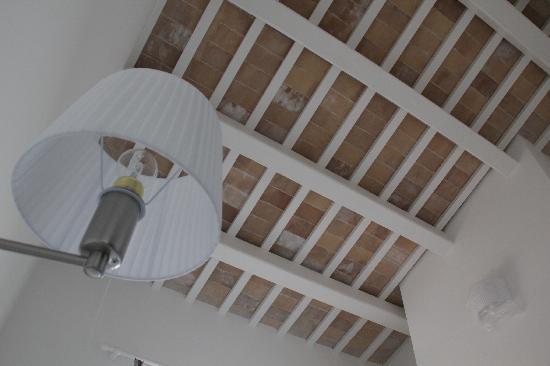 Mare' Camere : Foto soffitto con travi a vista