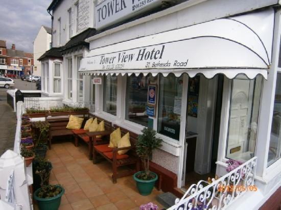 Tower View Hotel: Front terrace