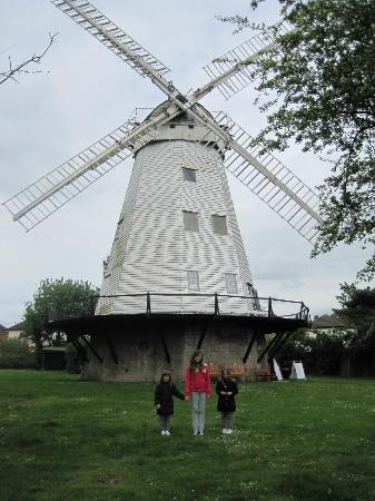 ‪Upminster Windmill‬