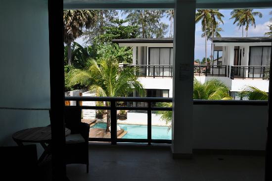 Sai Naam Lanta Residence: Blick von der Terasse