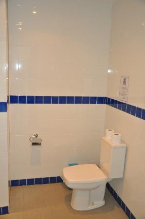 Sai Naam Lanta Residence: Badezimmer