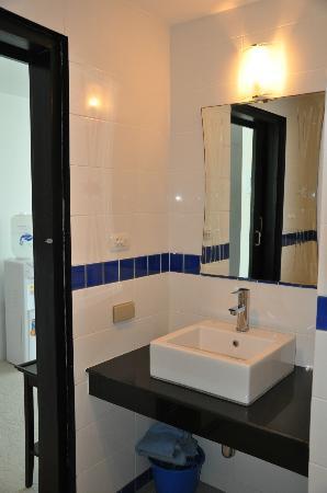 Sai Naam Lanta Residence: sauberes Badezimmer