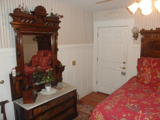 The Old St. Angela Inn: Room