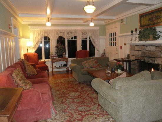 The Old St. Angela Inn: Living Room