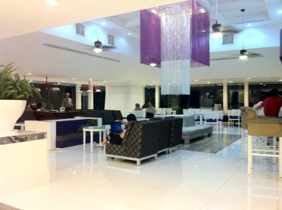 Foto de krystal cancun canc n lobby del hotel tripadvisor for Diseno de lobby de hoteles