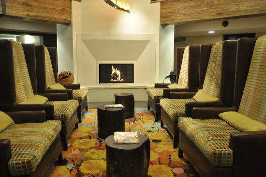 Hotel Corque: The Hotel Lobby