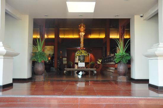 Siripanna Villa Resort & Spa: lobby entrance