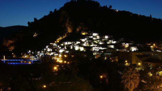 Tomori Hotel: La sera