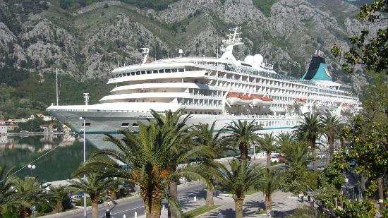 Vista lato mare picture of historic boutique hotel for Boutique hotel kotor