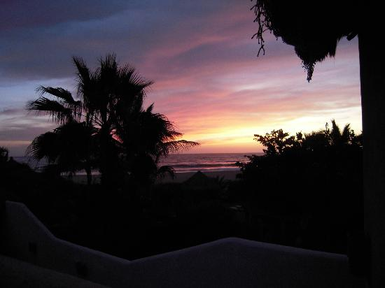 Las Palmas Tropicales: Sunset view from top step of del Mar Casita
