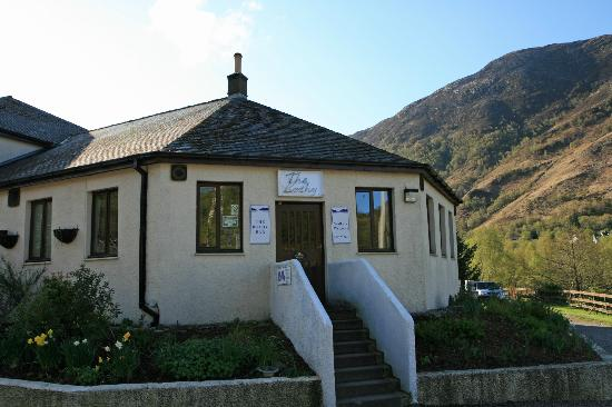 The MacDonald Hotel & Cabins: The Bothy Bar