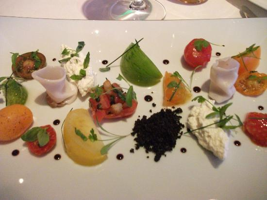 Restaurant Gordon Ramsay: Salad of heirloom tomatoes, confit, marinated and stuffed with homemade organic ricotta