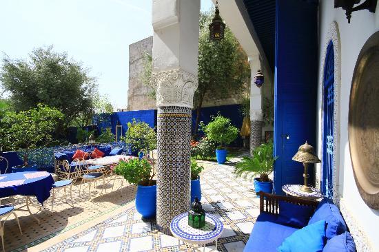 Riad Jean Claude: le patio-terrasse sur jardin