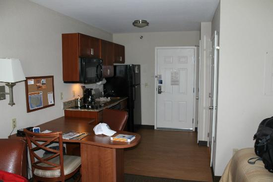 Candlewood Suites Reading: The kitchen area