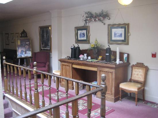 Bishop Victorian Hotel: Third floor Refreshment Area